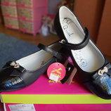 Туфли для девочки, новые ,черные размер 32,33, 35