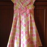 Очень красивое платье в горошек на 6-8 лет