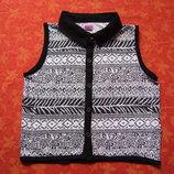 8-9 лет Безрукавка футболка на пуговицах F&F, б/у. Длина 39 см, ширина 37 см. Хорошее состояние, б