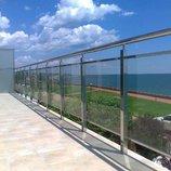 Ограждения из стекла на балкон, на террасу
