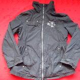 Стильная чёрная куртка ветровка на девочку,девушку