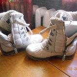 Зимние,фирменные,кожаные высокие ботинки на цигейке для девочки