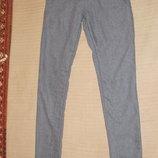 Узкие шерстяные брюки - бедровки серо-голубого цвета Nile original.