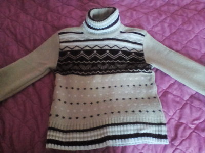 Теплючий зимний свитер