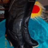 Зимові красиві чоботи сапоги