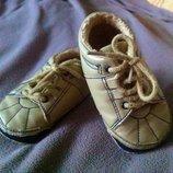 Пинетки, топики, кроссовки 9-12 месяцев, 12,5 см стелька