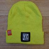Яркая классная шапка на зиму