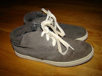 Демисезонные замшевые ботинки Next р.2 на 35 22 см по стельке