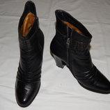 Черные кожаные сапоги Le Greto на высоком каблуке. Размер 38.