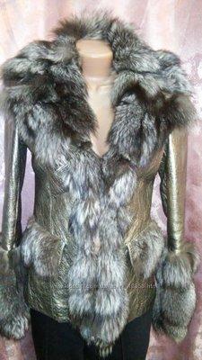 Зимняя золотистая натуральная куртка-дубленка с чернобуркой, металлик золото-серебро .