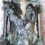 Золотистая кожаная куртка с чернобуркой, металлик золото-серебро .