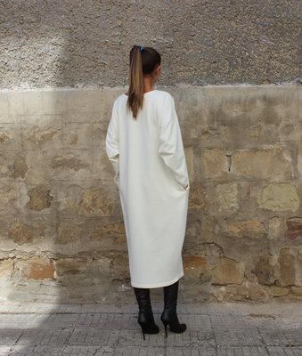 Красивое белое платье мешок: 680 грн - повседневные платья в Харькове, объявление №8530445 Клубок (ранее Клумба)