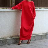 Красивое красное платье в пол свободного силуэта