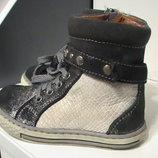 Ботинки Petit Shoes деми,р.22,кожа замш лак,Испания
