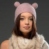 Коллекционная шапочка от Celapiu интересного дизайна с ушками