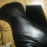 Зимние женские сапоги по колено натуральная кожа мутон лак,на платформе скала .40-й.Стелька 26см.