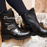 Ботинки кожаные с пряжками зимние