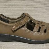 Очень легкие стильные открытые кожаные туфельки Hotter comfotr concept