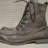 Брутальные кожаные ботинки, декорированные кожаным шнурком. Soviet .45 р.