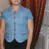 Женская джинсовая рубашка на короткий рукав