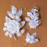Бутоньерки жениху и невесте атласные