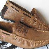 Продам Levis мужские туфли кожаные мягкие легкие удобные.