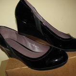 Нові Туфлі брендові шкіряні Footglove Оригінал Англія р.39 стелька 25 см