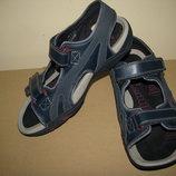 Босоніжки сандалі шкіряні дихаючі нові CLARKS Actie Air Оригінал Вєтнам р.5 стелька 24,5 см