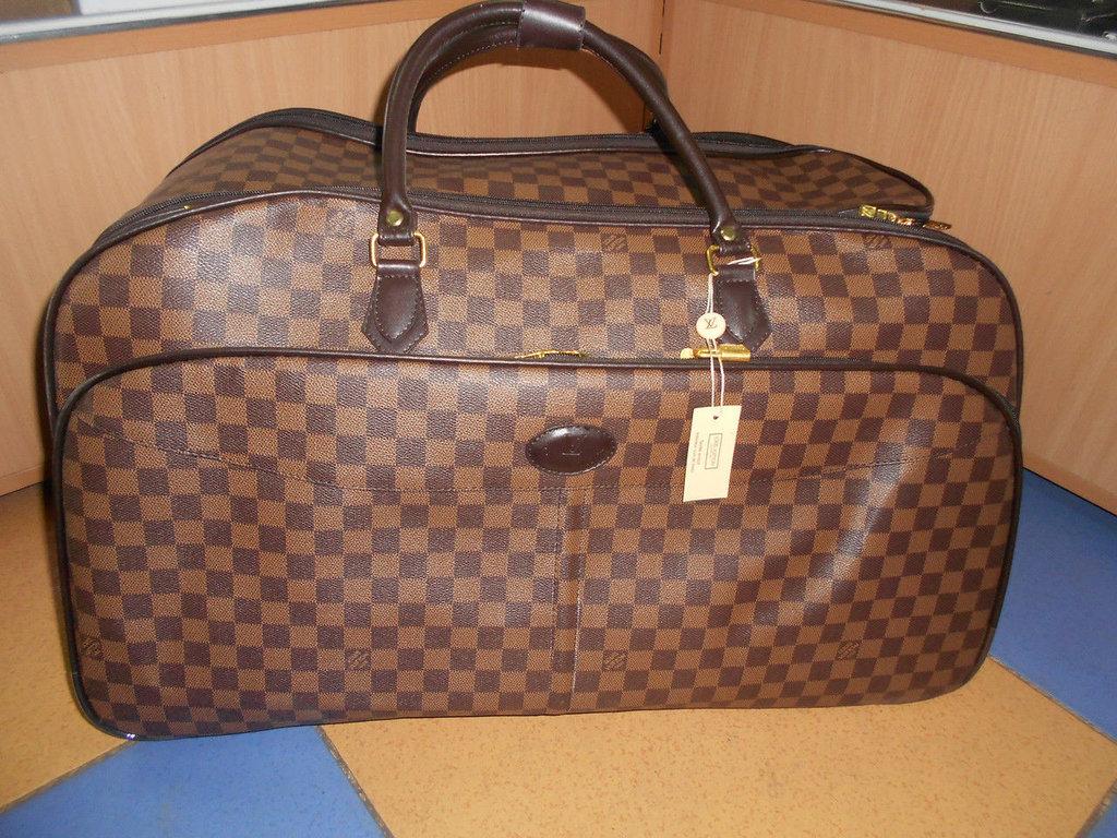Купить сумки LOUIS VUITTON Луи Витон в интернет магазине в