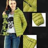 Женская демисезонная куртка цвета