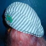 Новая фирменная кепка 3-6 мес.на весну на стильного парня