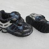 Новые кроссовки Geox с мигалками. Оригинал. разм.21