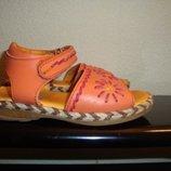 Немецкие Босоножки оранжевые.р-р26 16.5см Германия