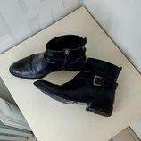 Супер стильные, кожаные ботиночки 38 размер