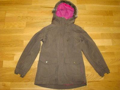 Куртка с флисовой подстежкой Quechua на 7-9 лет рост 122-133 см
