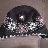 шапка черная с рисунком