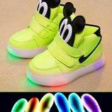 кроссовки детские с Подсветкой лампочками мигалкой