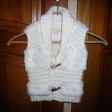 Жилетка вязанная меховая мех красивая нарядная на 2-4 года