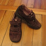 Немецкие кроссовочки на девочку. Стелька 18,7 см. В наличии.