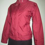 Куртка, ветровка женская. Размер М смотрите замеры . В отличном состоянии Casall