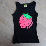Майка футболка 110-122 рост как новая стильная клубничка черная яркая розовая