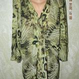 Блуза нарядная с принтом