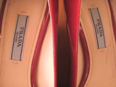 180adb7ecb35 Оригинал prada milano шикарные красные лаковые туфли лодочки 37р: 4200 грн  - женские классические туфли prada в Днепропетровске (Днепре), ...
