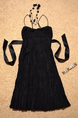 56b67448621 Маленькое жатое черное платье OGGI XS   200 грн - женские вечерние ...