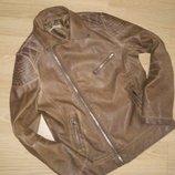 Куртка кожаная на 9-10 лет.