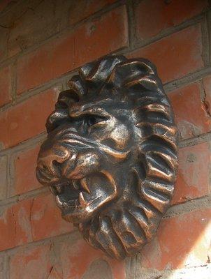 Голова льва барельеф на стену