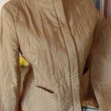 Стеганая легкая курточка С как новая