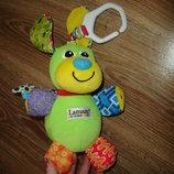Lamaze - Развивающая игрушка Щенок с косточкой, подвеска собачка Lamaze