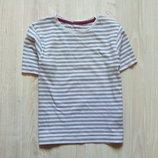 Стильная полосатая футболочка для мальчика. M&S. Размер 4-5 лет, будет дольше. Состояние отличное.