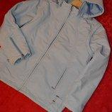 Классная спортивная куртка желетка